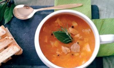 Gulaş – Tavuklu Macar Çorbası